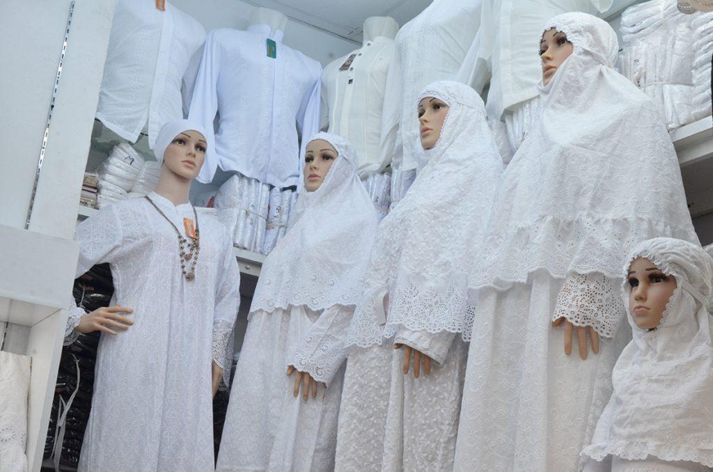 pakaian umrah wanita